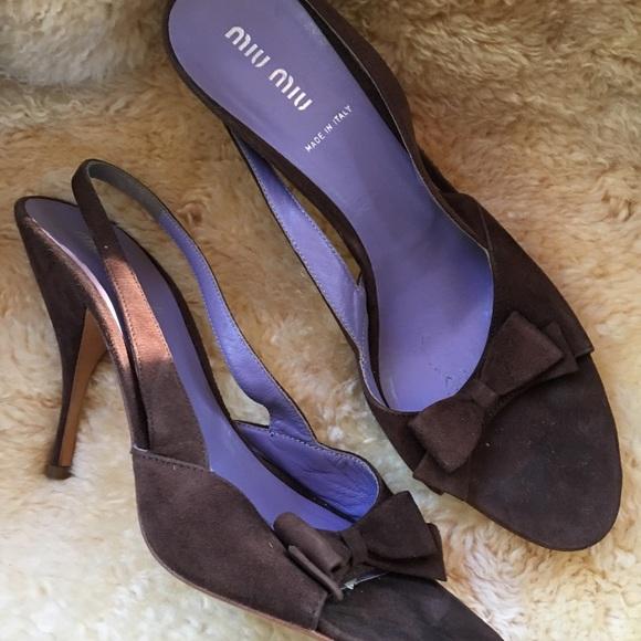 a5a1e9d41c15 Authentic Miu Miu Brown Soft Suede Sandals 95 M